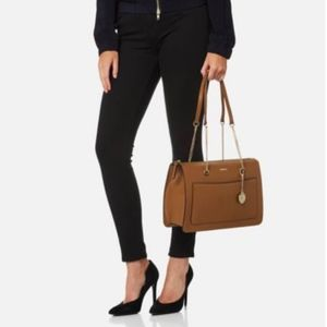 DKNY LEATHER TOP ZIP TOTE-SUTTON BAG